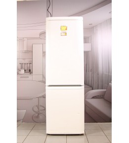 Холодильник Hotpoint-Ariston MBA 2185